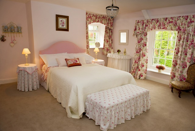 En suite bedroom at Parnacott House